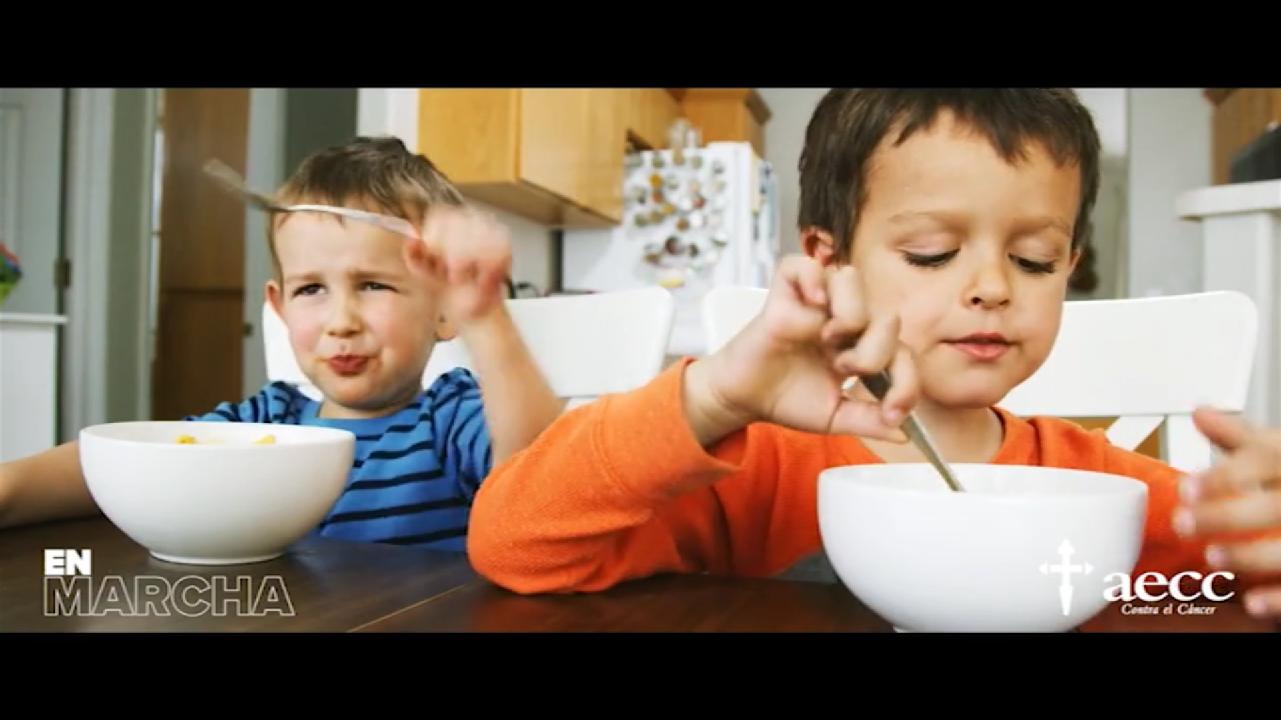 Ayuntamiento y AECC animan  a los escolares de Manzanares a llevar una dieta equilibrada